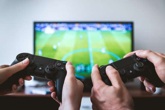 Пандемия Привлекает Новых Игроков в Видеоигры