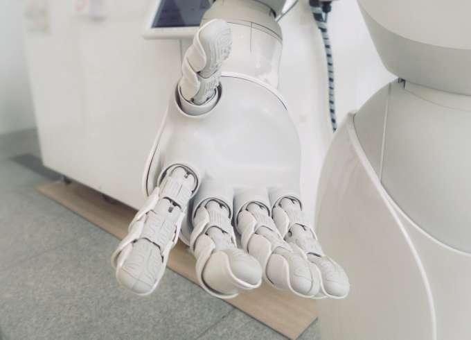 Развитие навыков в физическом искусственном интеллекте может привести к появлению на свет живых интеллектуальных роботов